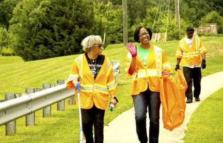 OCO Sorors clean the streets